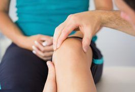 "The term ""fluid on the knee"" refers to a condition called prepatellar bursitis, also known as knee effusion, water on the knee and housemaid's knee. As these names suggest, this condition is characterized by inflammation of the protective layer of tissue that lines the patella, or kneecap. Certain herbs may help to reduce pain and..."