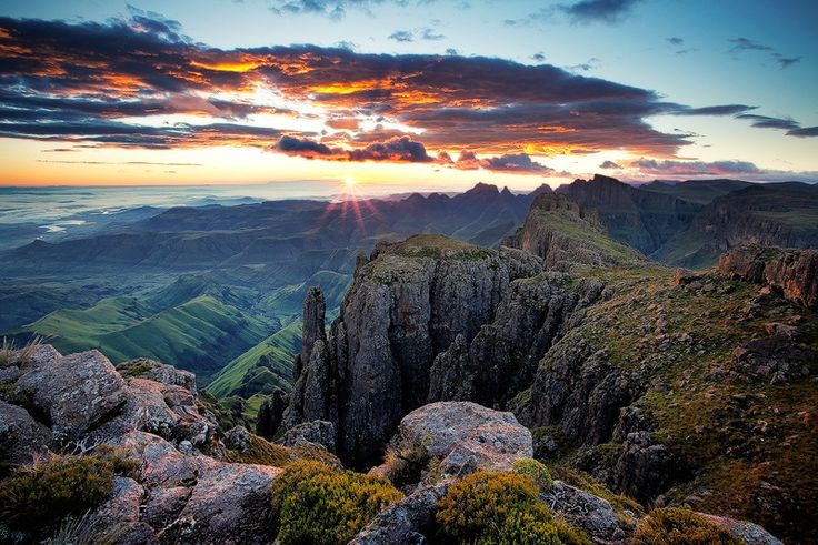 Breathtaking on a whole new level. The Drakensberg Mountains in Kwazulu Natal
