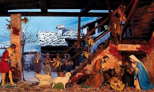 Natale non sarebbe Natale senza il presepe. In tutte le case si riserva un angolo (grande o piccolo) per la capanna che accolse Gesù Bambino. A Dalmine un museo celebra questa tradizione.