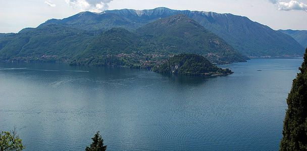 Lo splendido lago di #Como: http://goo.gl/o3ZbQE  #logodicomo, #lakecomo, #lakeitaly, #lario