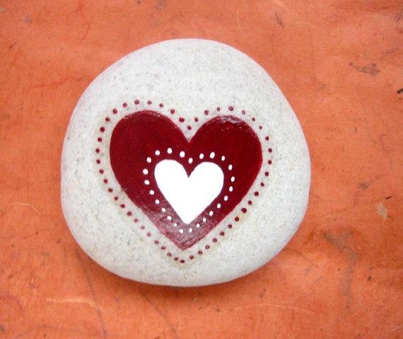 Heart stone/paperweight by Ludibund on Etsy, $15.00