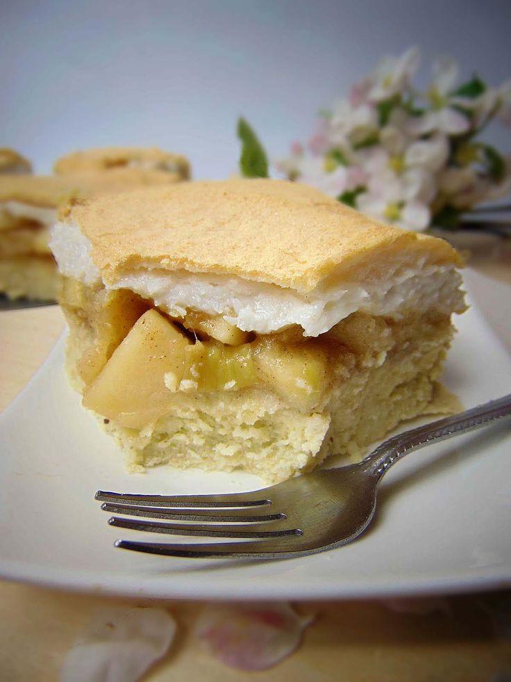 Składniki:(blaszka 21x9) ciasto: -200g kaszy jaglanej  -400ml mleka roślinnego -30g oleju kokosowego -3 łyżki mąki kokosowej -2 ły...