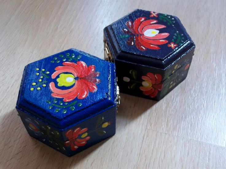 little boxes with hungarian pattern