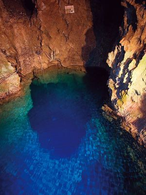 死ぬまでに一度は行ってみたい!絶景が見られる日本の洞窟・鍾乳洞20選 - NAVER まとめ