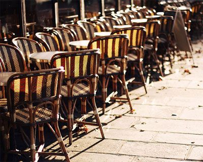 i love the vintage feel of these cafe chairs
