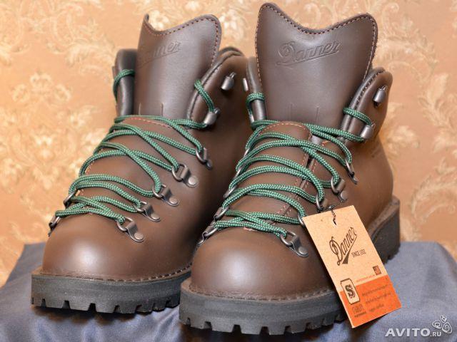 Походные ботинки DANNER оригинал, модель Mountain Light™ II Hiking Boots, арт.: 30800. Цвет: коричневые(Brown Leather). Производство вручную США, штат OREGON. Куплены в США за 310 долларов + пересылка. Новая обувь в коробке