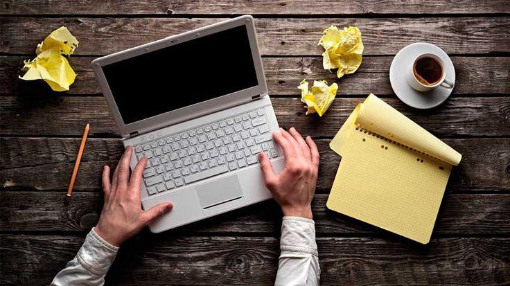 Hoje em dia eu me considero um bom escritor, mas que precisa ainda evoluir muito pra chegar no nível que desejo. No entanto, grande parte da minha vida fui um escritor bem medíocre pra dizer a verdade...