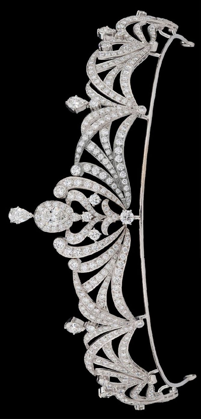 Modern Garrard diamond tiara