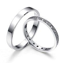 Pristine lightness - marvelous wedding rings of white gold decorated with diamonds