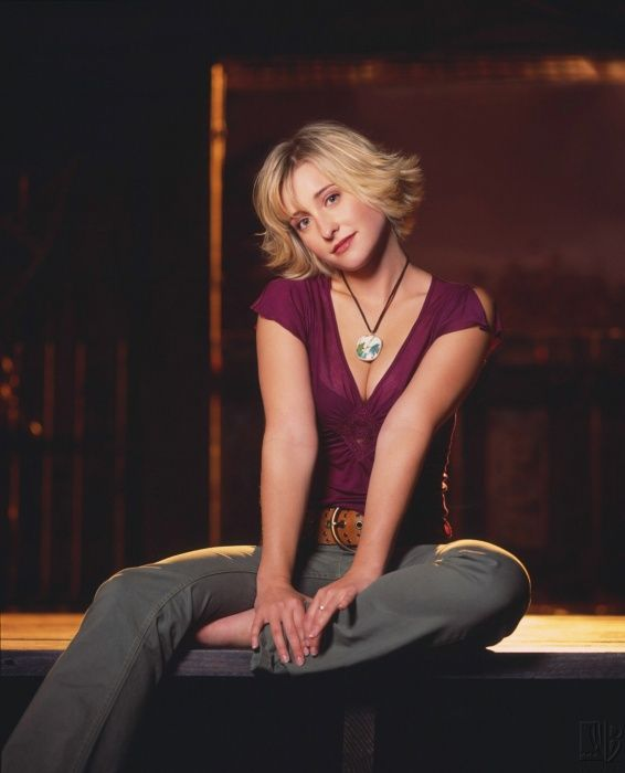 Smallville Season 2 Promo - Allison Mack as Chloe Sullivan