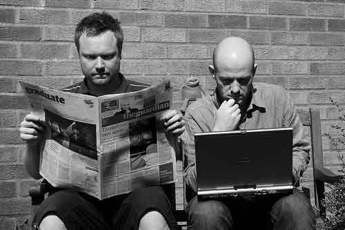 En el periodismo Tradicional: Los textos de la prensa tienen más volumen de contenido.  En el digital: El contenido en los portales web es preciso, interactivo y actualizado.