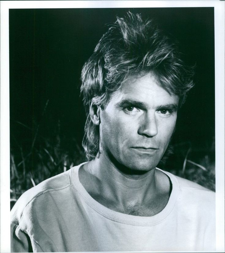 Vintage photo of Richard Dean Anderson stars as the secret agent Angus MacGyver