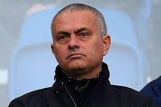 Jose Mourinho offered Real Madrid job to turn up the heat on Manchester United - http://www.thelivefeeds.com/jose-mourinho-offered-real-madrid-job-to-turn-up-the-heat-on-manchester-united/
