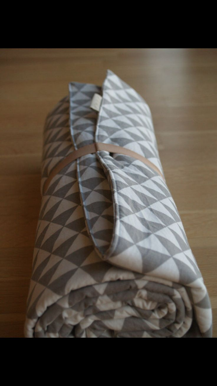 unisex baby quilt made of 100% cotton inside out