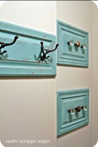 Love this idea - take off the front of drawers that your revamping & no longer need. Attach hooks or door nobs and use as coat/hat/bag hooks.