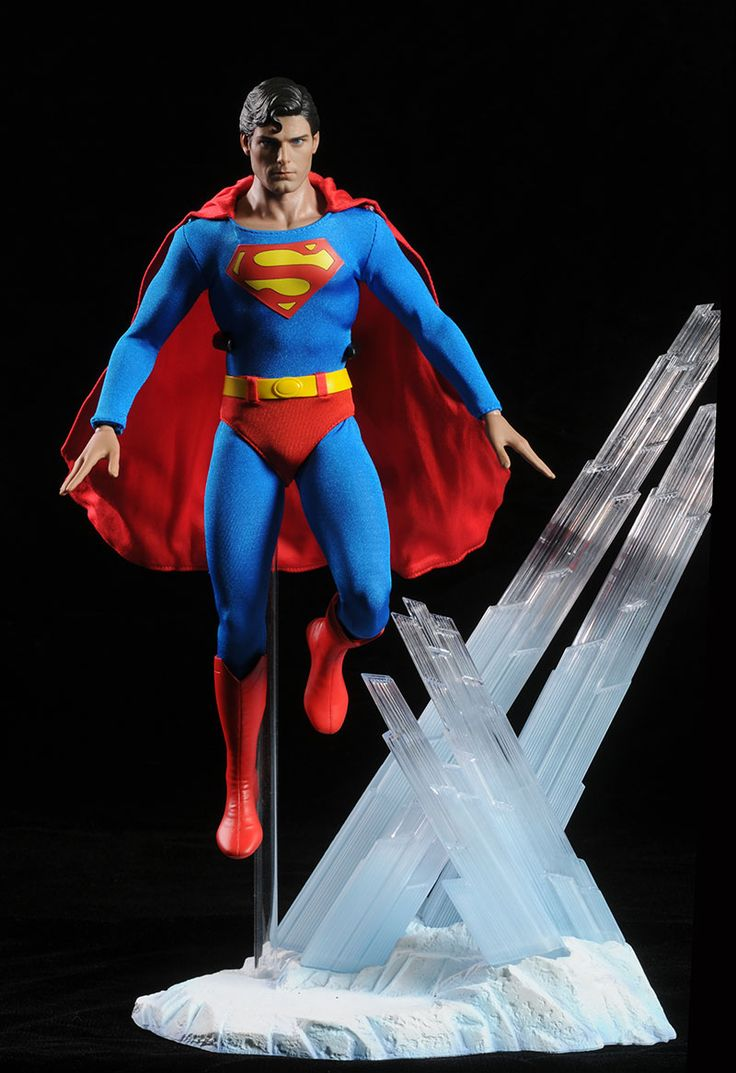Superman Christopher Reeve sixth scale figure by Hot Toys