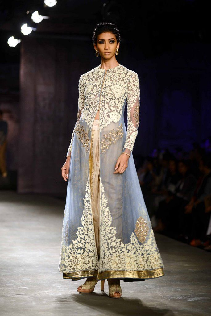 Anju Modi for Delhi Couture week 2014. #perniaspopupshop #designer #label #love #gorgeous #beautiful #artistic #divine #attractive #embroidery #detailing #finesse #AnjuModi #glamour #fashion #style