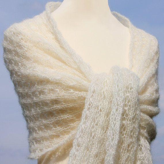 Bridal châles étoles de mariage en bonneterie par LOVELYinWOOL                                                                                                                                                                                 Plus