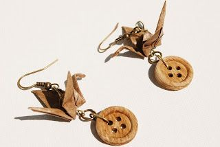 Lisas Experiments: Creating origami earrings and basic tutorial.