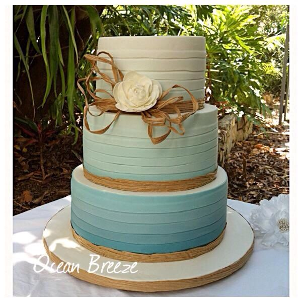 Ocean colours and twine are perfect for beach weddings...
