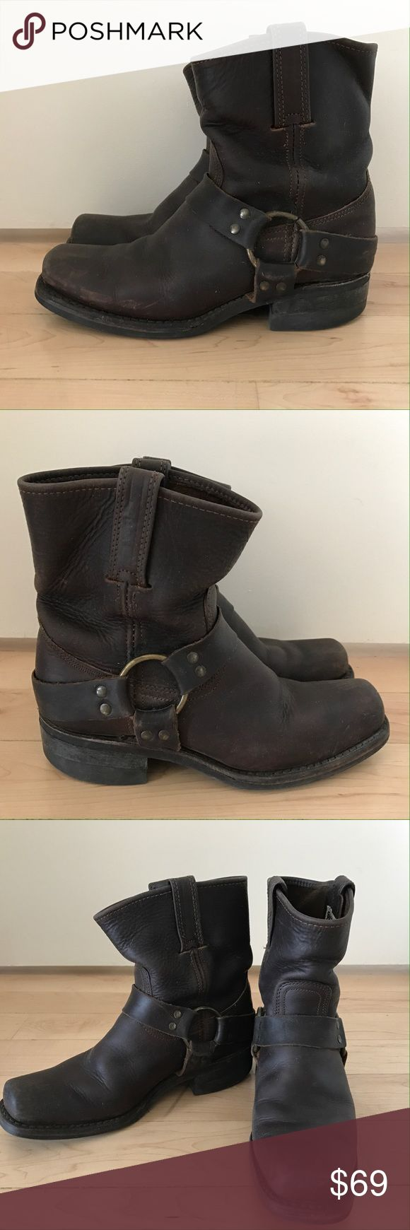 FRYE WOMAN 8 M LEATHER HARNESS MOTORCYCLE BOOT These amazing FRYE Biker boots...Square toe HARNESS SHORT BOOT WITH BUCKLE. Frye Shoes Combat & Moto Boots