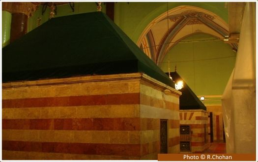 Tomb of Prophet Ishaq (upon him be peace) These are the tombs of Ishaq (upon him be peace) (right) and his wife Rifaqah (left) and are directly over their graves which are below ground. These tombs are on the Muslim side, along with Sarah (upon him be peace), one of the wives of Ebrahim (upon him be peace). The tombs of Yaqoob and Yusuf (upon him be peace) are on the Jewish side. Jews and Muslims are allowed to enter the others area for 10 fixed days in a year.