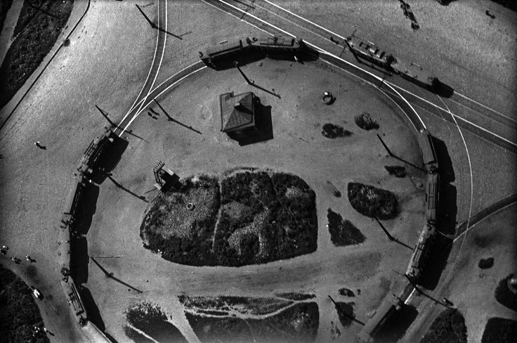 """Trolley car turn-around, 1931. From a series of photos of Leningrad from the air, taken for the magazine """"USSR in Construction""""."""