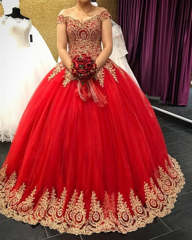 Gold Lace Appliques V Neck Tulle Quinceanera Dresses Ball Gowns Off