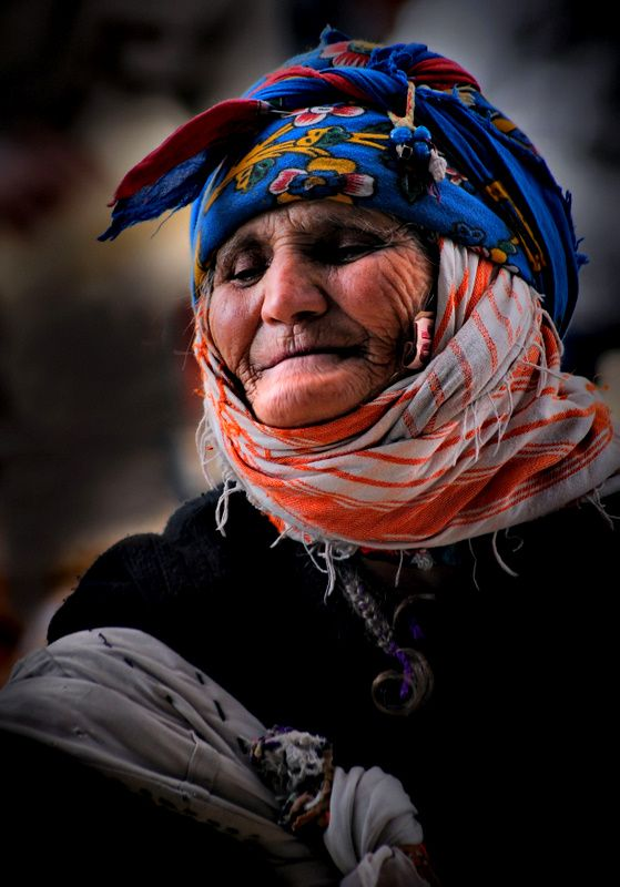 An elderly Yörük woman from the Ayvacik area (southwestern district of the Çanakkale province).   Recent picture (2010s)