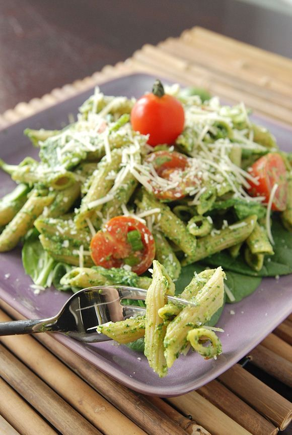 Spinach Pesto Penne - very close to one of my fav restaurants Vapiano. yummy