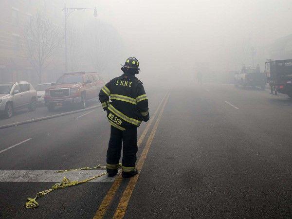 Building explosion in Harlem (© Mike Segar/Reuters)