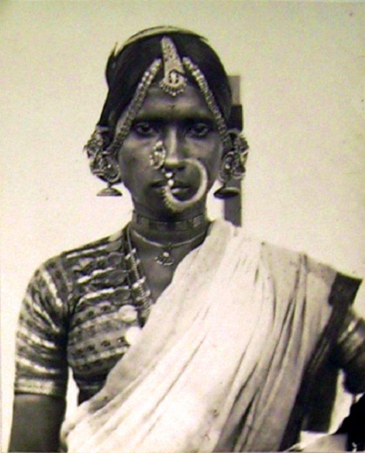 India   Portrait of a Bayadere (Devadasi, temple dancer).  Telinga. Coromandel Coast region.  ca. 1857 - 1861   Photographer Fedor Jagor