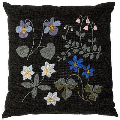 """""""Kesämetsä"""" (Summer forrest) Pillow"""