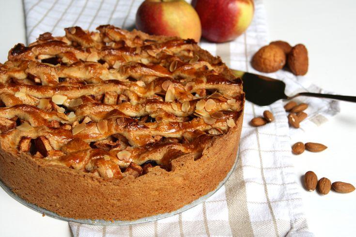 Zelfgemaakte appeltaart doet het altijd goed. Het zal ook altijd één van mijn lievelingstaarten blijven. Deze versie maakte ik met bitterkoekjes en amandelen op de boden. Ze geven extra smaak… Lees verder