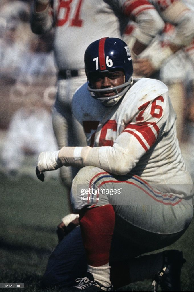 football-new-york-giants-rosey-grier-during-game-vs-washington-at-picture-id151877461 (681×1024)