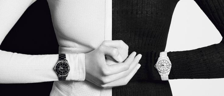Conheça todos os relógios J12 (J12 Chromatic, J12 Branco, J12 Preto), Première, BOY.FRIEND, Monsieur e Mademoiselle Privé no site CHANEL Relojoaria.