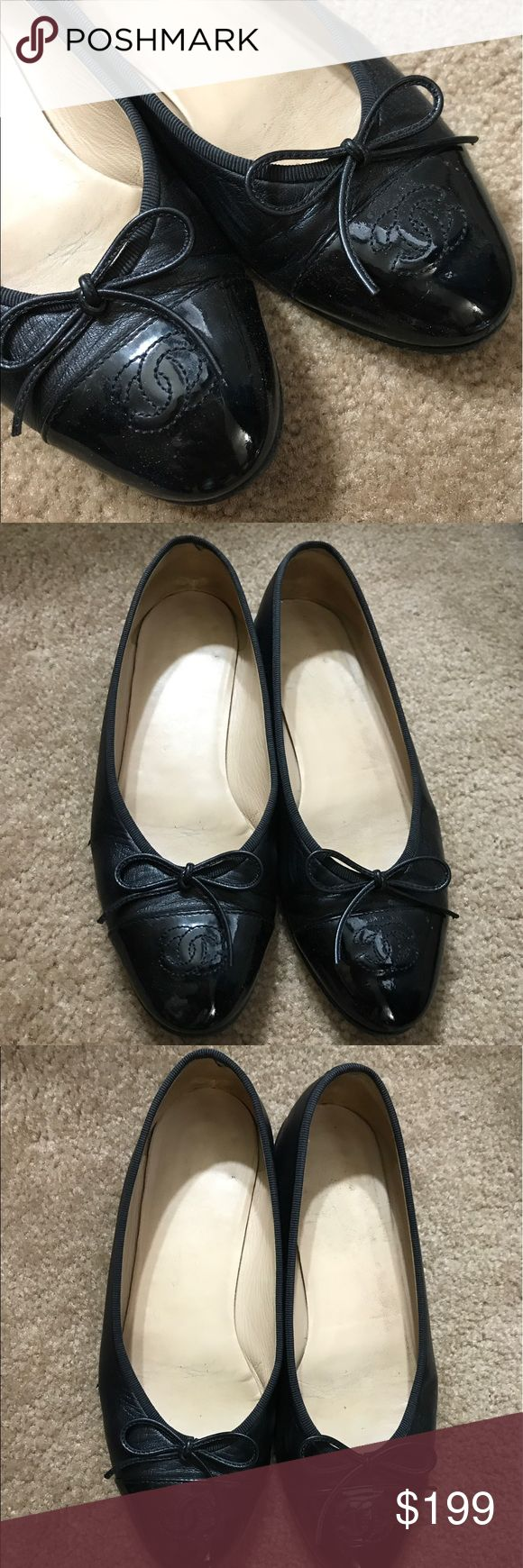 Channel classic ballet flats Size 38.5 RUNS SMALL. please be aware of your size. Classic style. Great piece to invest in. CHANEL Shoes Flats & Loafers
