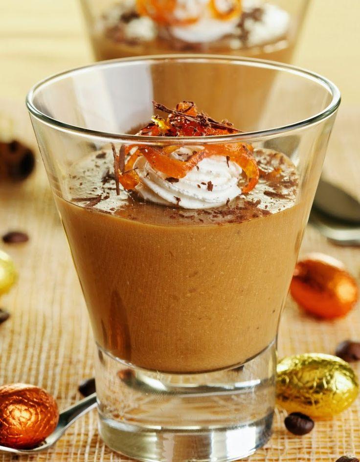 Ingrédients: 700 g de carambars au caramel 8 œufs 150 ml de lait 1 c.à café de sucre Préparation: -Faire fondre les carambars en diluant avec le lait. Mélanger régulièrement afin d'obtenir une pâte pas trop liquide et pas trop compacte. -Incorporer les 8 jaunes d'œufs et le sucre -Monter les blancs en neige avec …