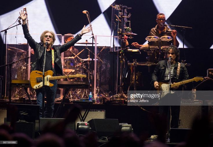 Daryl Hall & John Oates perform at The O2 Arena on October 28, 2017 in London, England.