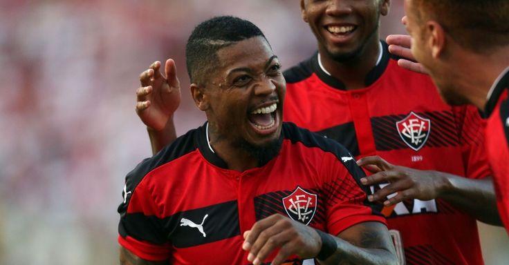 Marinho agradece fisioterapia do Vitória após 'decidir jogo' com 2 gols