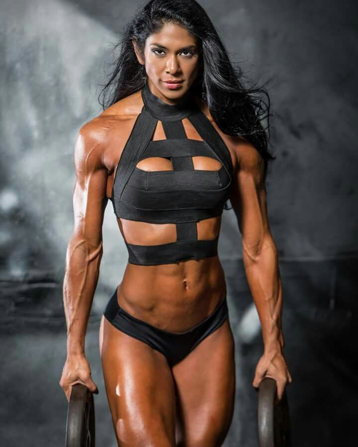 Female fitness and Power - There is both beauty and power in the female body! She can unlock both! There's no such thing as a physically weak woman! Just women who haven't trained their power to come to the surface! Fitness Motivation! It feels good! It l