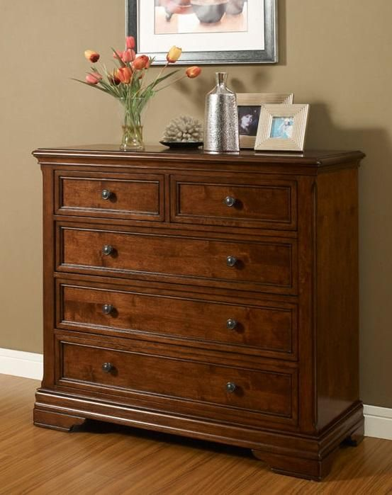 The striking Bennington drawer chest features framed drawer fronts, cedar lining in all drawers and durable dovetail connections making this piece both stylish and functional.