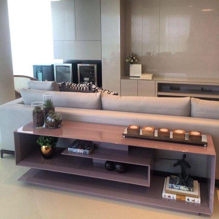75 ideias para decorar e aproveitar melhor o espaço atrás do sofá Móveis Aparador atras do  -> Decoração Aparador Atras Do Sofa