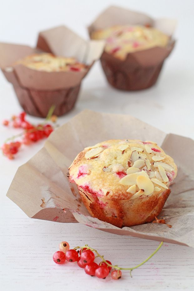 Redcurrant muffin - I need something to use up the crop of redcurrants that seems to be endless this year!