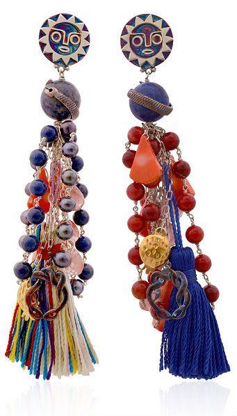 Retrouvez tout plein de pompons de toutes les couleurs et de toutes les tailles avec les accessoires textiles de Perles & Co ici : http://www.perlesandco.com/Mercerie_Custo_Accessoires_textile-c-2629_199.html   Lama Hourani - Spring-summer 2014