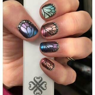 ~Butterfly Bliss~ This Mixed Mani does the decision making for you. 'Butterfly Bliss' is your perfectly packaged, fun and flirty manicure all in one. ~~~~~~~~~~~~~~~~~~~~~ https://knightsofthejamjamtable.jamberry.com/au/en/shop/products/butterfly-bliss