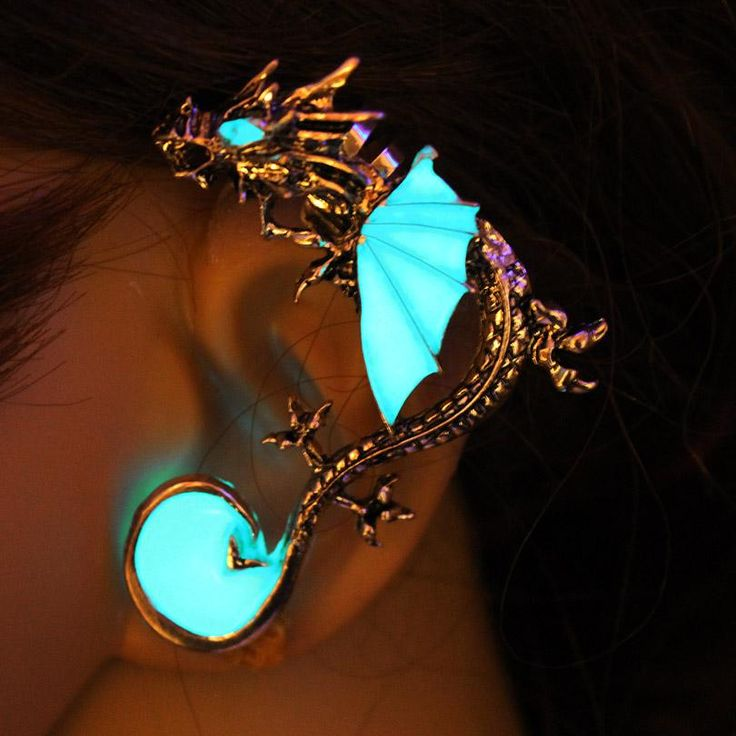 Ear Cuff GLOW in the DARK dragon Ear clip earrings Earrings Clip Earrings • • • • • #xmas #christmas #merrychristmas #dragons #santa #presents #dragon #giftideas #gift #gifts #christmastree #jewelry #httyd #happyholidays #present #christmasdecorations #howtotrainyourdragon #toothless #santaclaus #earrings #necklace #httyd2 #merryxmas #giftsph #journalsph #jarsph #craftph #journalph #giftph #conceptstoreph #starbucksph #souvenirsph #bloggersph #plannerph #weddingph #washitapes #hiccup…