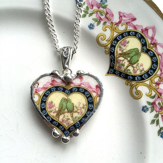 Gebroken china sieraden hart vormige door dishfunctionldesigns