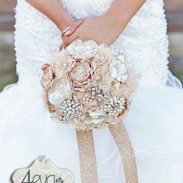 wedding bouquet bling 184 best wedding bouquet bling images on 8443