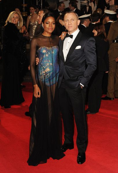 Naomie Harris Photos Photos - Naomie Harris and Daniel Craig attend the Royal World Premiere of 'Skyfall' at the Royal Albert Hall on October 23, 2012 in London, England. - Skyfall - Royal World Premiere - Arrivals